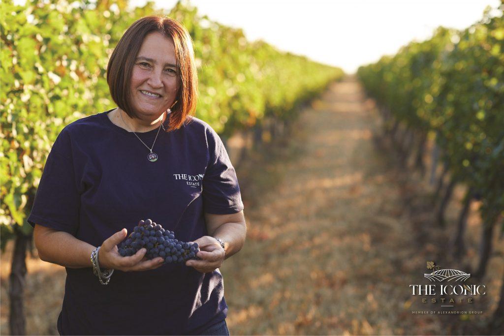 Lorena Deaconu (The Iconic Estate), despre arta, recunoștința și mândria de a face vin în Dealu Mare